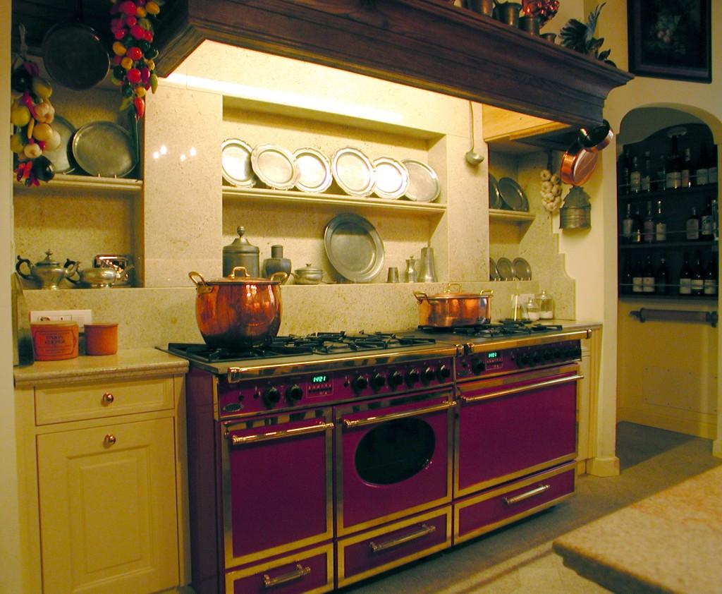 Cucina completa in granito sabbia dorata