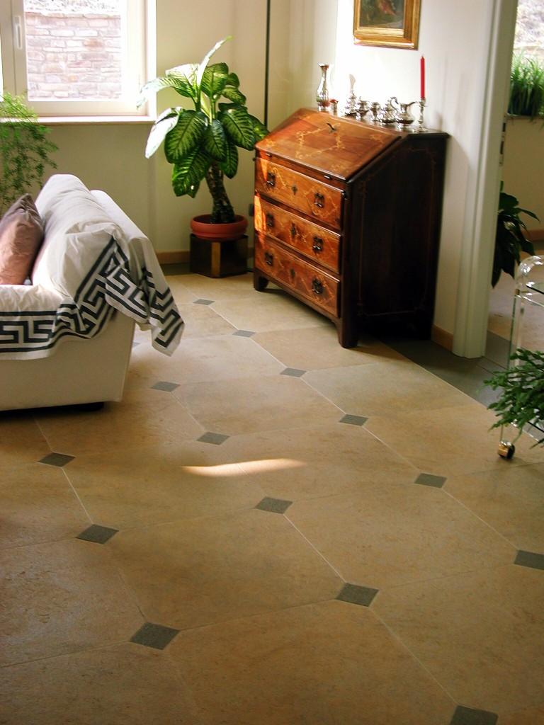 Pavimento in ocra stone e pietra dema