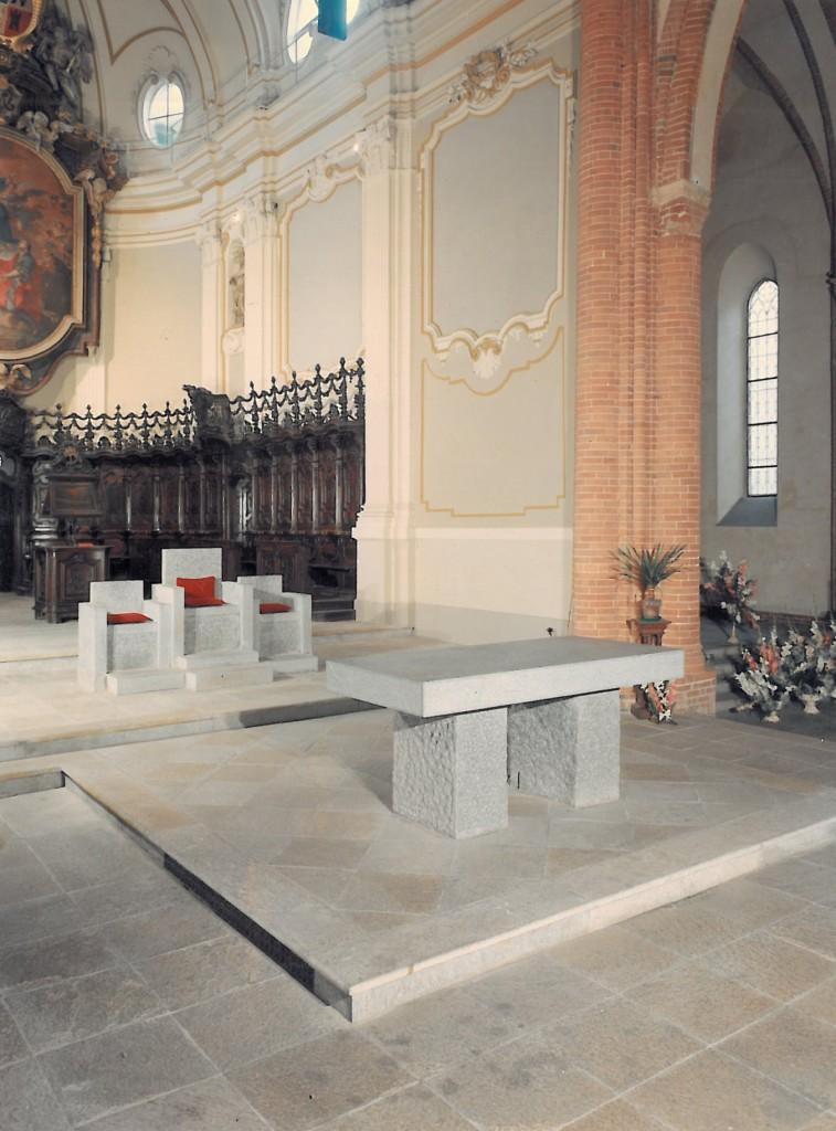 Parrocchia di Santa Maria della Scala a Moncalieri Pietra di Luserna, Diorite, Carrara Bianco
