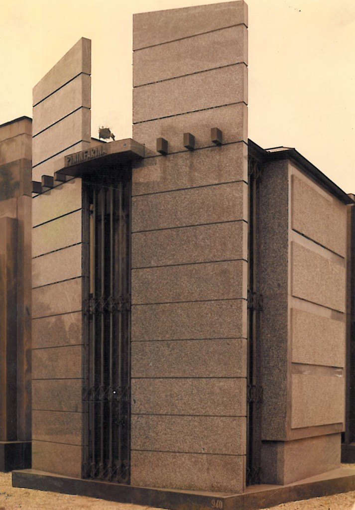Edicola funeraria privata in Serizzo Valmasino