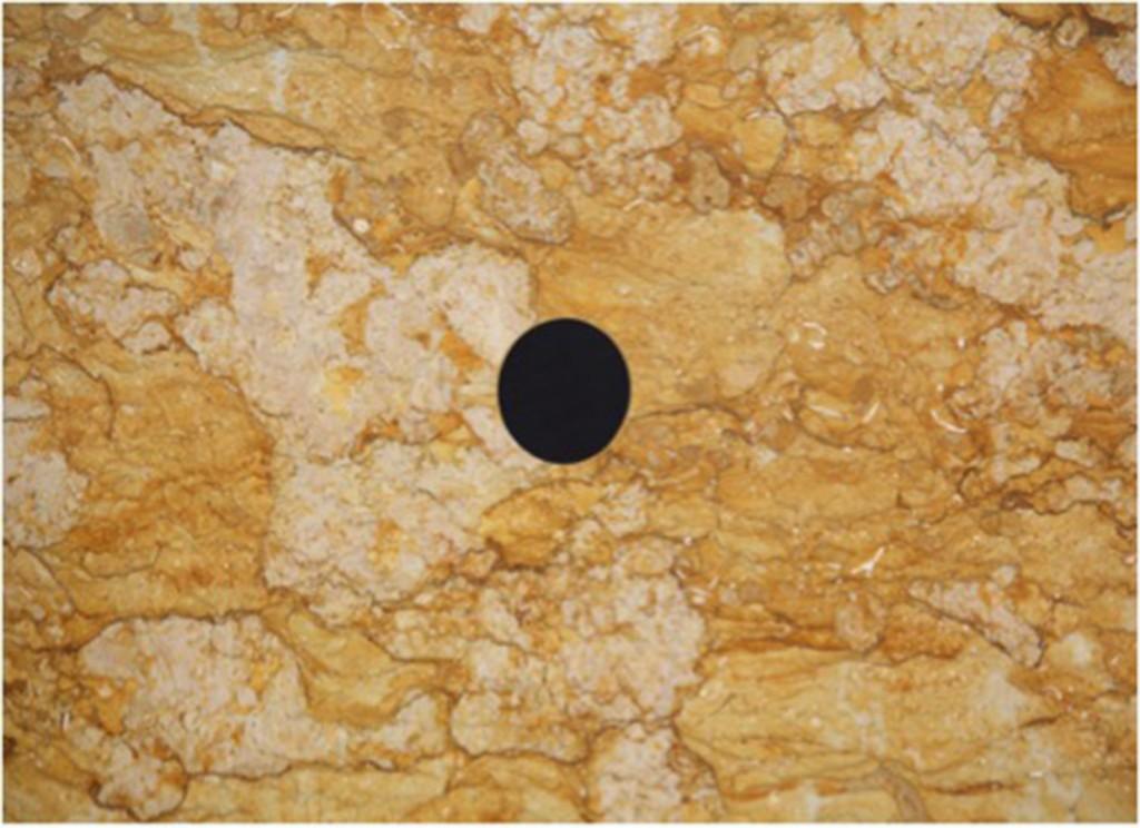 Simon Starling Transit Stones, 2012 Giallo reale e marmo nero del Belgio immagini da GALLERIA FRANCO NOERO Courtesy the artist and Galleria Franco Noero, Torino Photo Credits: Sebastiano Pellion di Persano