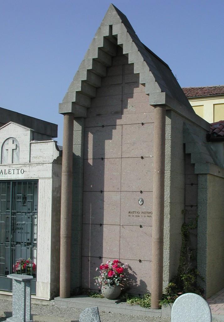 Edicola funeraria in pietra marino grigia e rosa