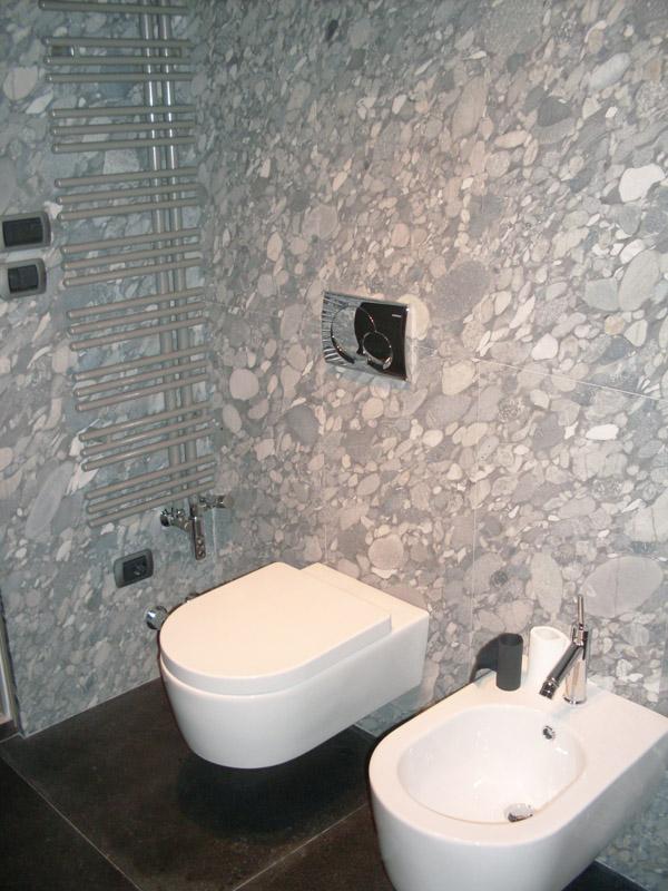 Rivestimento a parete in granito grigio marinace sabbiato Pavimento in granito nero assoluto ruvido spazzolato