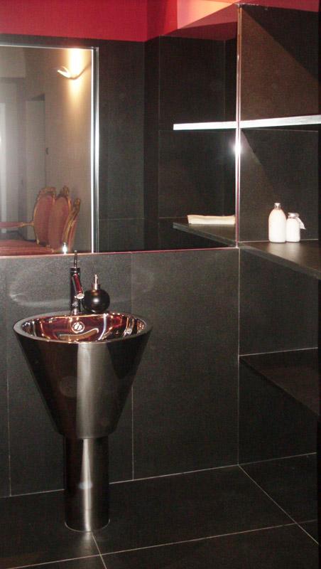Bagno in granito nero assoluto