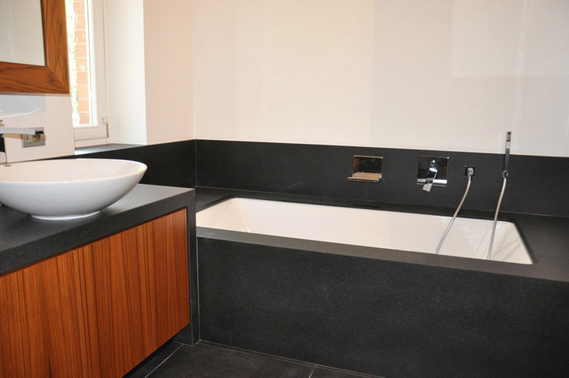 Bagno in granito nero assoluto ruvido spazzolato