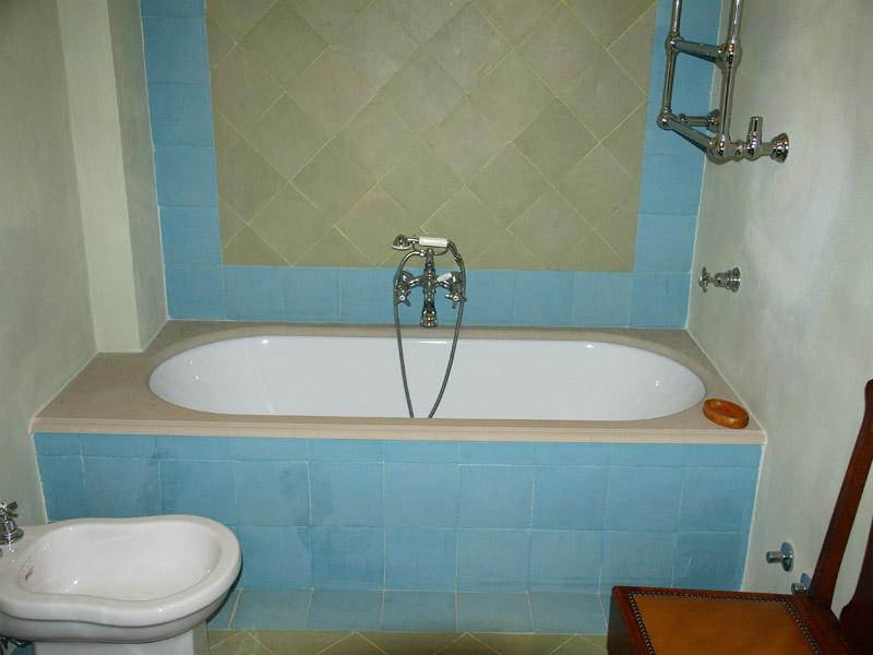 Rivestimento bordo vasca da bagno in sand stone