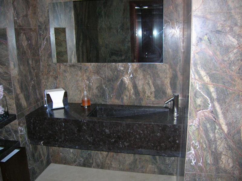 Bagno in granito Antique Brown e Forest green
